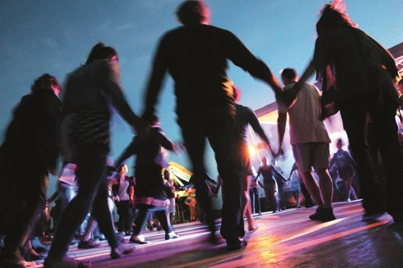 danses traditionnelles ; danses maraîchines ; Le Daviaud ; La Barre-de-Monts ; Vendée